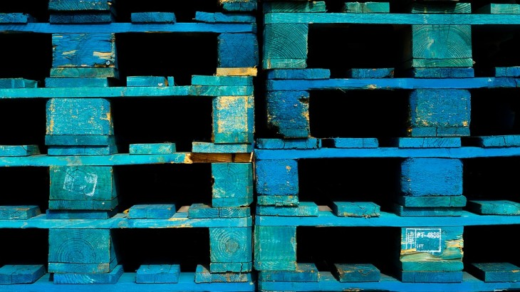 Imballaggi manfolini imballaggi in legno torino for Vendita pallet per arredamento